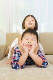 asiatiska ungar arkivbilder