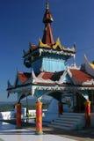 asiatiskt färgrikt tempel Arkivbilder