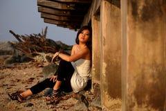 asiatiskt flickabarn royaltyfri bild