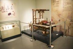 Asiatiskt kines-, Peking-, kvinna- och barns museum, inomhus mässhall Arkivfoton
