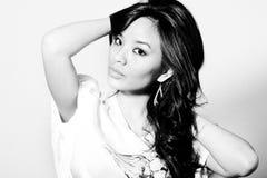 asiatiskt ståendekvinnabarn Royaltyfria Foton