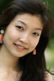 asiatiskt ståendekvinnabarn Royaltyfri Bild