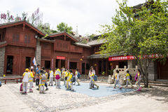 Asien-Chinese, Peking, China Minzu Yuan, Naxi-minorityï ¼ ŒResidence Stockbild