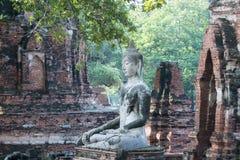 ASIEN HISTORISKA THAILAND AYUTHAYA PARKERAR TEMPLET Arkivbilder