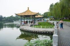 Asien Kina, Peking, Taoranting parkerar den ,Double paviljongen royaltyfri bild