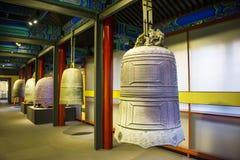 Asien kines, Peking, ¼ Œ för Dazhongsi forntida Klocka Museumï ¼ŒIndoor exhibitionï Arkivbilder