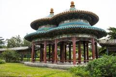 Asien kines, Peking, Tiantan parkerar, landskapsarkitektur, dubbel paviljong arkivbilder