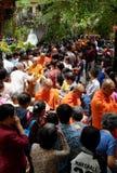 Asien-Mönche auf Buddhas Geburtstagsfeier Stockbilder