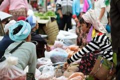 ASIEN THAILAND CHIANG MAI CHIANG DAO MARKNAD Arkivfoto