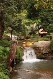 ASIEN THAILAND CHIANG MAI FANG WASSERFALL Royaltyfria Bilder