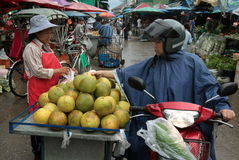 ASIEN THAILAND CHIANG MAI MARKNAD Arkivbild