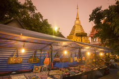 ASIEN THAILAND CHIANG MAI NIGHTMARKET arkivbild