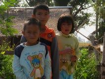 Asien ungar med leendeframsidan från Thailand fotografering för bildbyråer