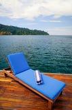 Asiento de descanso al aire libre en cubierta Fotos de archivo