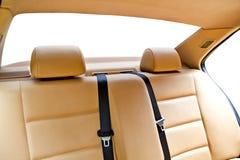Asiento trasero de cuero en coche Fotografía de archivo
