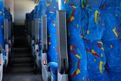 Asientos coloridos en un autobús mexicano Fotografía de archivo libre de regalías