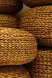 Asientos entrelazados de madera hechos a mano Foto de archivo