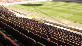 Asientos vacíos del estadio metrajes