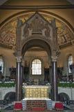 Asilica av Sant Ambrogio, guld- altare och ciborium Arkivfoton