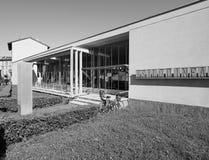 Asilo St Elia幼儿园在黑白的科莫 免版税图库摄影