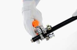 Asimiento de la mano un cortador de alambre Imagen de archivo libre de regalías