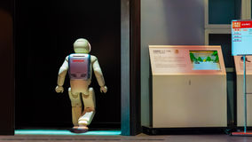 Asimo, de humanoidrobot stock afbeeldingen