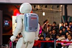 Asimo, el robot del humanoid imagen de archivo libre de regalías