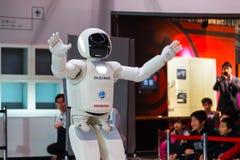 Asimo, el robot del humanoid fotografía de archivo libre de regalías