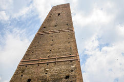 Asinelli塔,波隆纳意大利 免版税库存照片