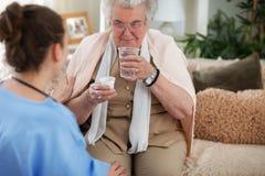 Asistencia médica para las personas mayores imagen de archivo