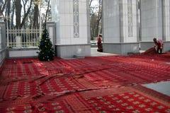 ASJABAD, TURKMENISTÁN - CIRCA DICIEMBRE DE 2014: Preparación del Fotos de archivo