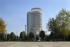 Asjabad, Turkmenistán - 11 de octubre de 2014: Ministerio de Energía Imágenes de archivo libres de regalías