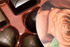 Ask av dagen för chokladvalentin` s Royaltyfria Foton