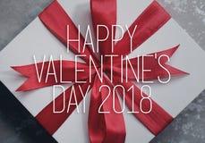 Ask för gåva för dag för valentin` s Arkivfoto