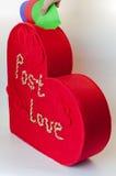 Ask för valentinbokstäver Arkivfoto