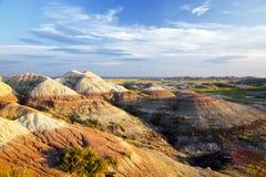 Aska- och bottensatskullar i Badlands nationalpark, South Dakota arkivbilder