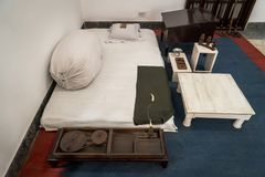 asketiska bosatta villkor av Mahatma Gandhi i huset av museet arkivbilder