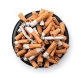 askfatet änd cigaretten full Top beskådar royaltyfri bild