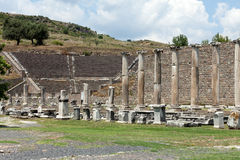 asklepion pergamum期间手段罗马圣所某事温泉剧院查看是 Pergamum 免版税库存照片