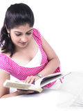 Asoan woman reading a book Royalty Free Stock Photography