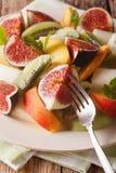 Asortowane owoc czupirzą, brzoskwini, melonu, kiwi i pomarańcze zakończenie, ver Obraz Royalty Free