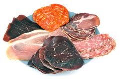 Asortowani delikatesów mięsa na białym tle fotografia stock