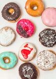 asortowani pudełkowaci donuts Zdjęcia Stock