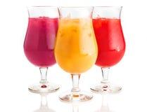 Asortowani smaku zimna napoje na szkle Zdjęcia Stock