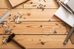Asortowani Woodwork, ciesielki i budowy narzędzia, sosnowy drewno Zdjęcie Stock