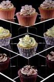 asortowany tortów filiżanki stojak Obraz Stock