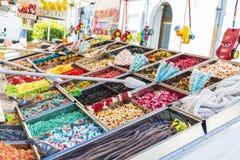 Asortyment cukierki w cukierku sklepie Obraz Stock