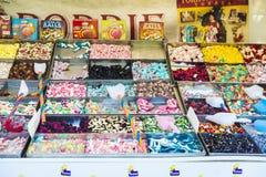 Asortyment cukierki w cukierku sklepie Fotografia Stock