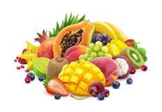 Asortyment egzotyczne owoc i jagody odizolowywający na białym tle z ścinek ścieżką obrazy stock