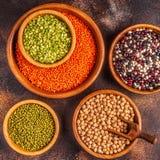Asortyment Legumes soczewicy, grochy, Mung, chickpeas i r??ne fasole -, obrazy royalty free